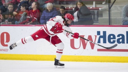 Rivalry series provides energy for seniors as Wisconsin Badgers close women's hockey regular season