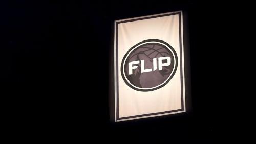 Minnesota Timberwolves honor Flip Saunders with banner