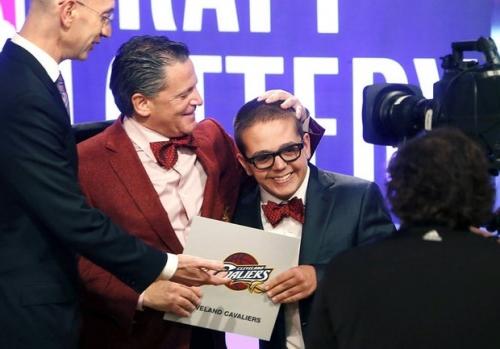 Dan Gilbert's son survives brain surgery, asks if Cavaliers beat Thunder