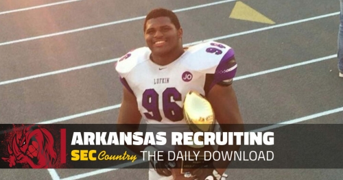 Impressive defensive tackle recruit visiting Arkansas in near future