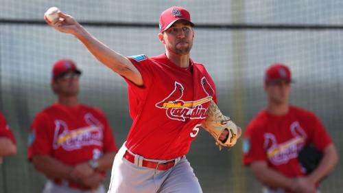 Don't bring up 'mediocre' to Cardinals' Wainwright