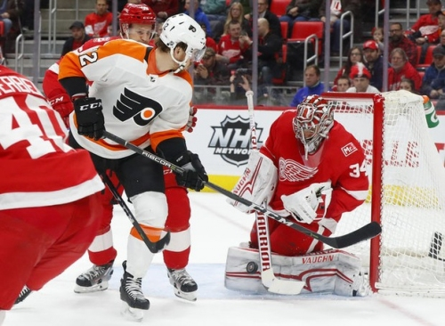 Might banged-up Flyers reconsider Red Wings' Petr Mrazek?