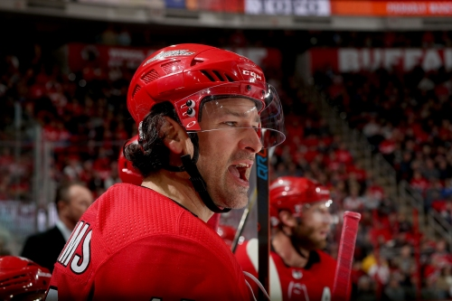 Carolina Hurricanes: Justin Williams proving to be best off-season acquisition