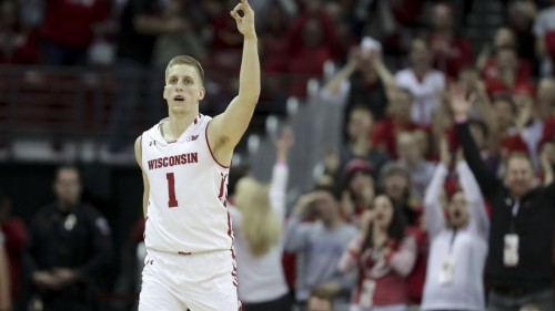 Wisconsin Badgers use late run to down Minnesota Golden Gophers 73-63 in overtime