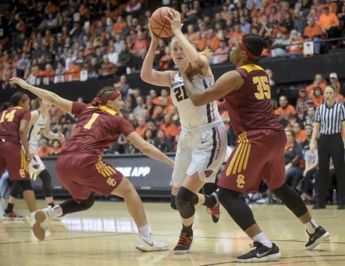 Oregon Ducks now 8th, Oregon State Beavers 12th in women's AP Top 25 poll