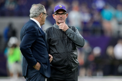 History says the Vikings won't have a quarterback competition in 2018