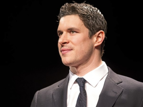 Sidney Crosby gets hat trick of a different kind at 82nd annual Dapper Dan