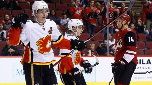 Flames Thoughts: New-look first line thrives in win over Coyotes