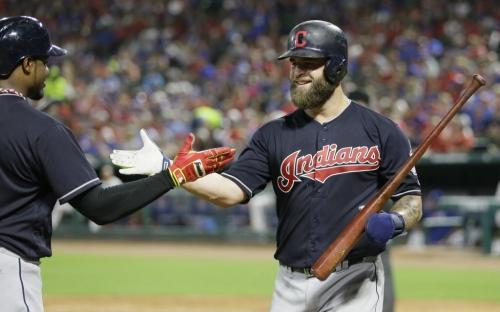 Three-time Ranger Napoli returning to Cleveland