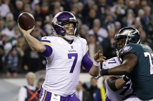 Gerente de Vikings sigue evaluando situación de quarterbacks