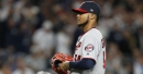 Twins' Santana to get injured finger examined in New York