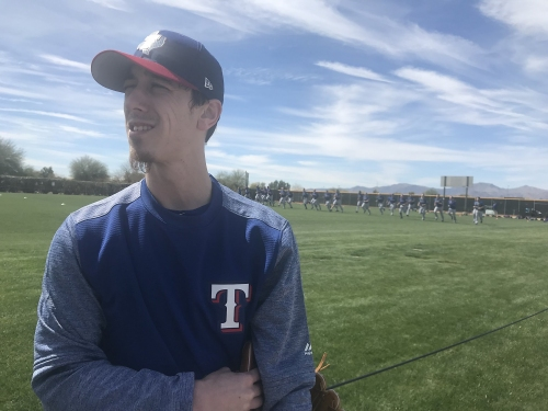 Tim Lincecum joins Rangers with new contract, heavy heart