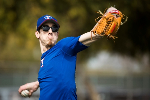 His velocity down, here's how new Rangers pitcher Tim Lincecum will get hitters out