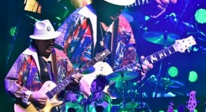 REVIEW: Santana parties like it's 1969