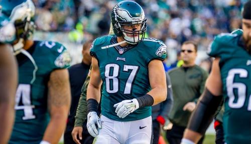 Eagles release veteran TE Brent Celek