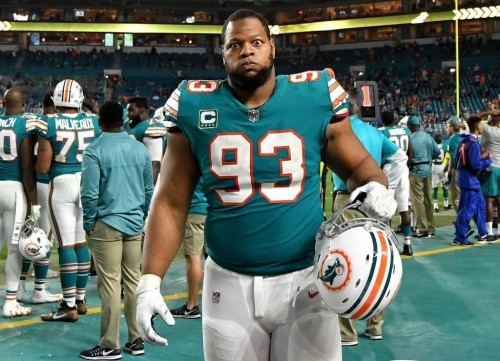 Saints showing interest in Ndamukong Suh, source says, after release from Dolphins