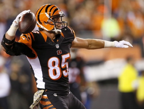 Tyler Eifert re-signs with Cincinnati Bengals for one year