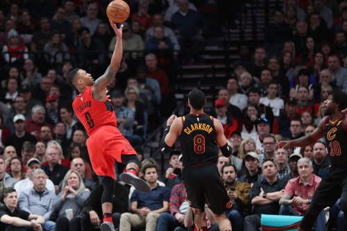Blazers Overwhelm Cavs For 11th Straight Win