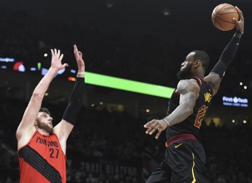 LeBron James pays ultimate tribute to Nike's orange box