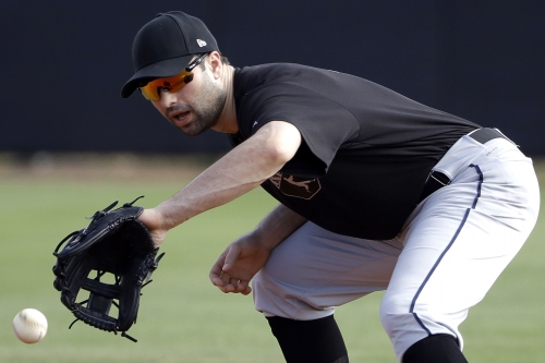 Aaron Boone hints Yankees could have two second basemen