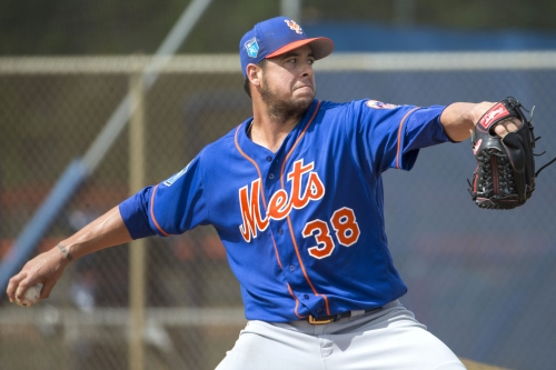 Mets get back key reliever, who passes his first test
