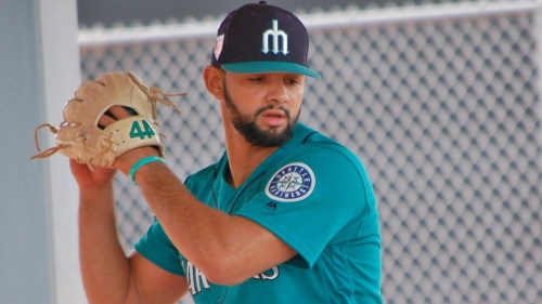 Mariners cut roster by 5, including Art Warren