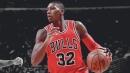 Bulls news: Kris Dunn suffers setback in toe injury, gets walking boot