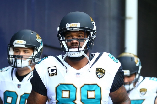 Should the Panthers pursue tight end Marcedes Lewis?