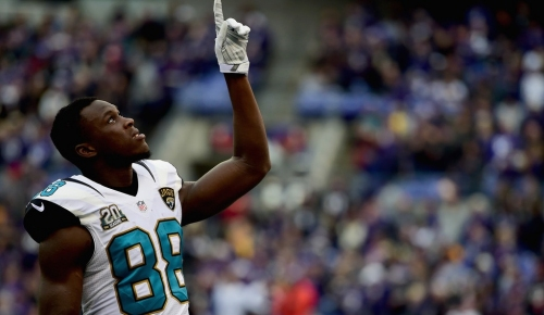 Panthers are among 10 teams to reach out to Allen Hurns