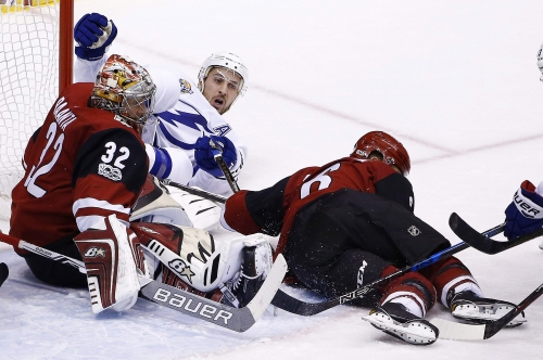 Ryan Callahan leaves with upper-body injury