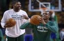 Boston Celtics assistant Walter McCarty lands Evansville coaching job