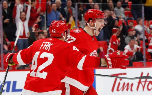 Red Wings' Martin Frk, Evgeny Svechnikov relish being linemates again