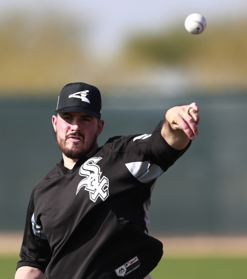 Rodon throwing free and easy in White Sox camp