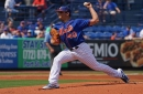 Mets' Jason Vargas throwing, but will keep stitches in until April
