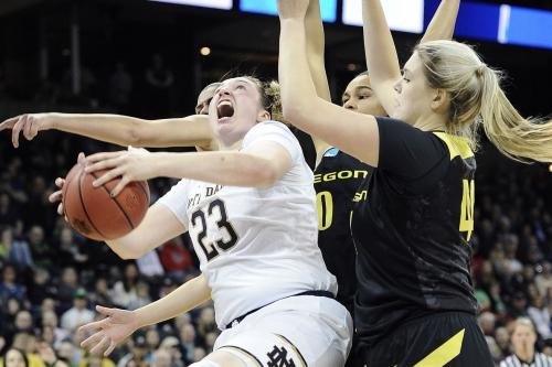 Oregon loses to Notre Dame in Elite Eight, Irish 84 - Ducks 74