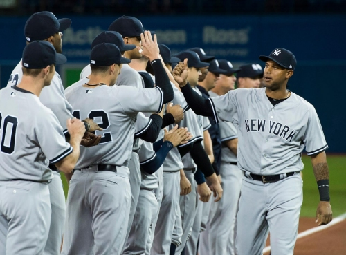 Yankees place Aaron Hicks on the 10-day DL with muscle strain