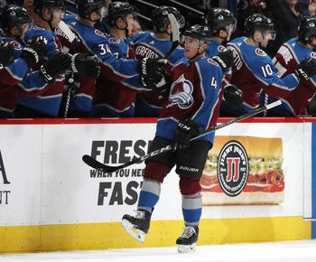 Varlamov strong before exiting, Avs beat Blackhawks 5-0