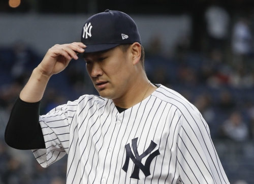 Adam Jones takes Masahiro Tanaka deep as Yankees fall to Orioles