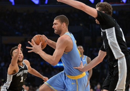 Lakers News: Luke Walton Credits Brook Lopez For Overcoming Challenges, Being 'Unbelievable' This Season