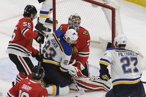 Morning Bag Skate: Blackhawks fall to Blues in home finale