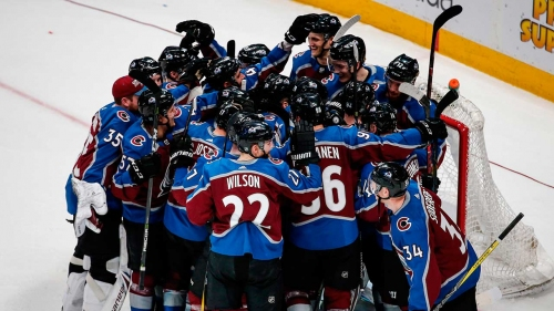 Avalanche head back to playoffs after win over Blues