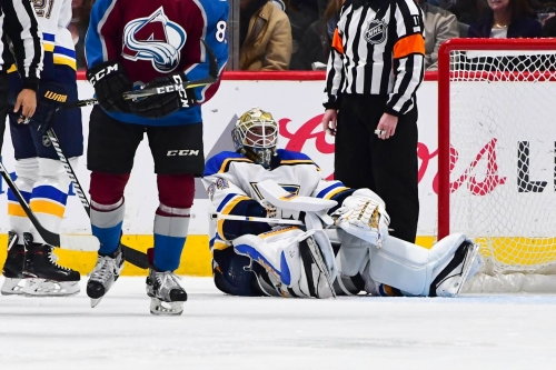 Jake Allen stays in loss to Avalanche with pulled hamstring