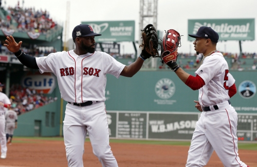 Jackie Bradley Jr., Boston Red Sox defensive ace, makes incredible diving catch to rob Adam Jones (video)