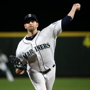 This time, Mariners do everything right to score a 2-1 victory over Astros