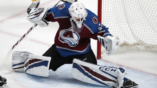 Avalanche's Jonathan Bernier leaves game with lower-body injury
