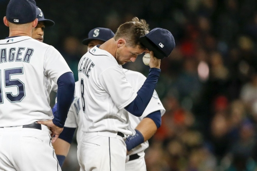 Mariners drown in 7-1 loss