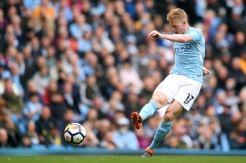 Man City star Kevin De Bruyne compared to two Manchester United greats by Gary Neville