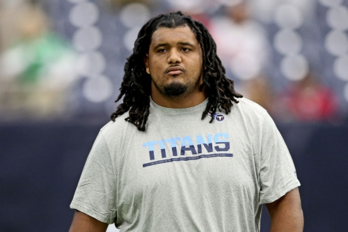 Patriots work out ex-Titans guard Sebastian Tretola