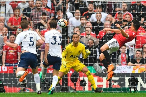 Manchester United star Alexis Sanchez reveals he surprised Tottenham goalkeeper with goal