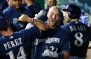 Brewers top Royals 5-2, extend win streak to 7
